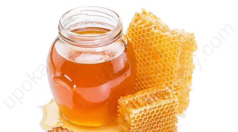 Honey jar with beehive